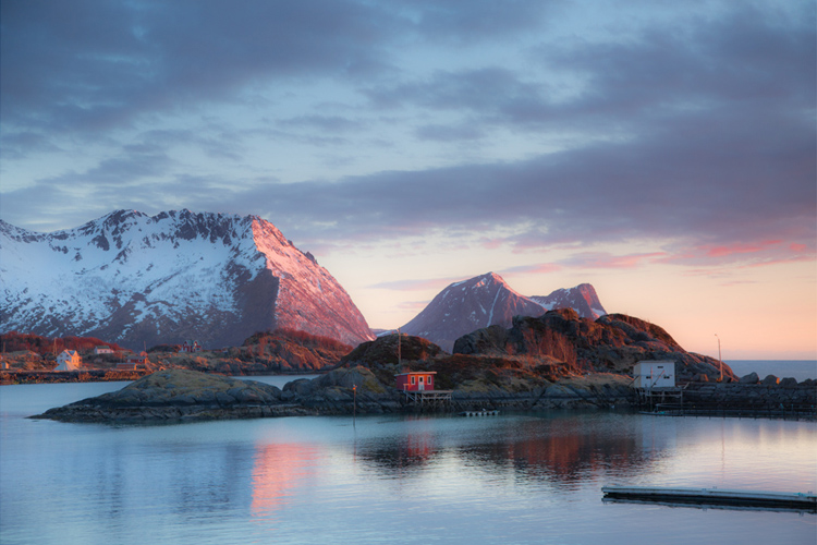 17.  Hamn i Senja,     Norway