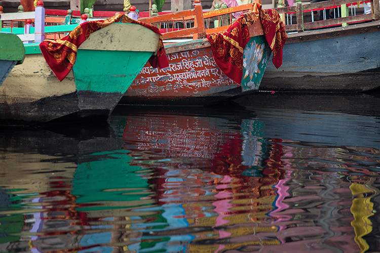 20  Mathura, painted boats